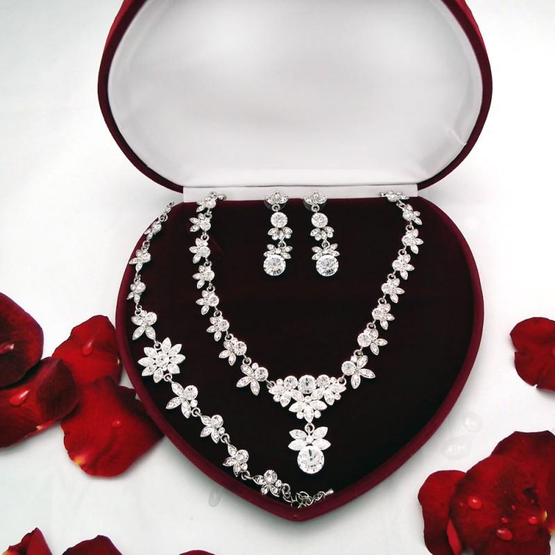 4ae739a07 Svadobná súprava (náhrdelník, náušnice, náramok) - VysperkujSa.sk